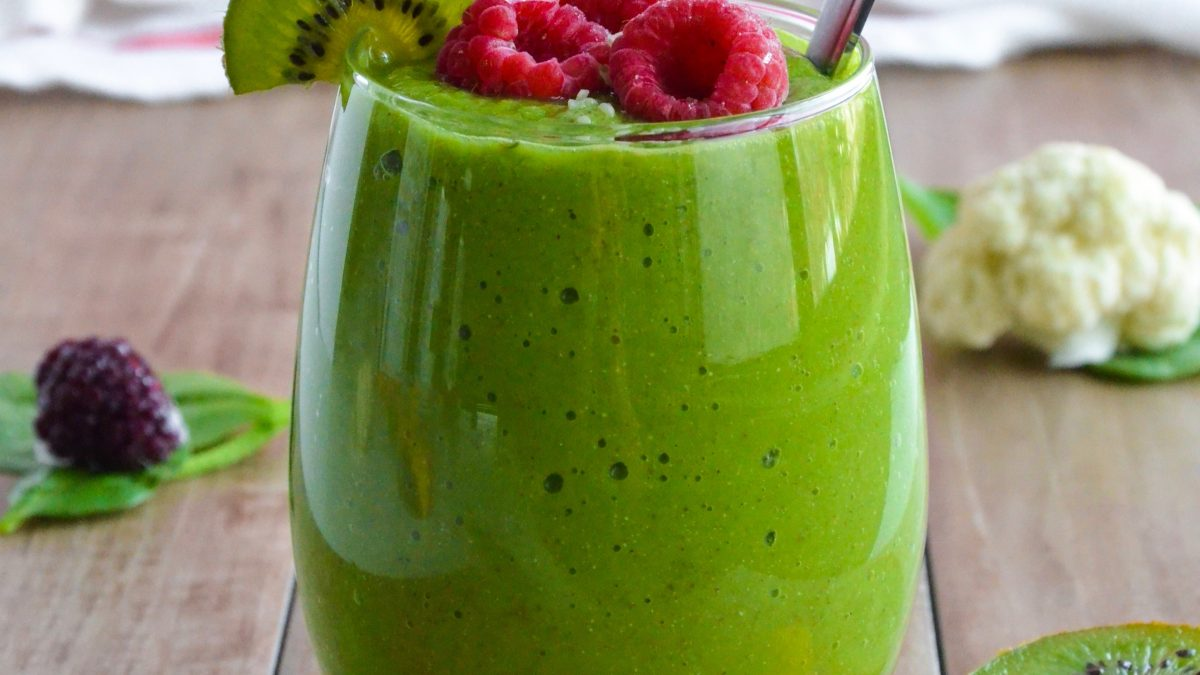 Cauliflower Spinach Green Smoothie