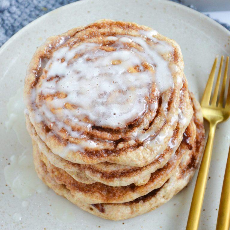 Cinnamon Roll Pancakes (Vegan)