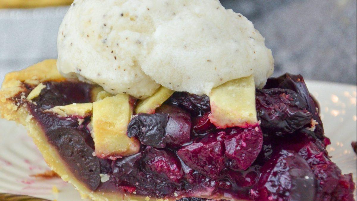 Homemade Vegan Cherry Pie